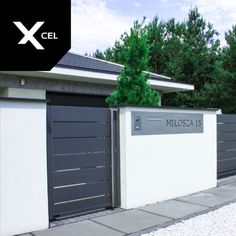 Grey entry gate and letterbox with laser-cut house number and videointercom Aluminium Gates, Aluminum Fence, Exterior Design, Interior And Exterior, House Gate Design, Grey Houses, Entry Gates, House Numbers, New Homes