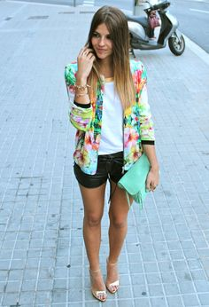 Love this outfit especially the blazer!