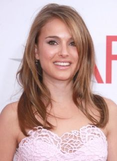 Lovin the side part. Thinking I may ditch the bangs and do this sorta style when I get my hair done on Tuesday.