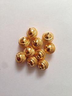 Vanki Designs Jewellery, Jewelry Design Earrings, Necklace Designs, Pendant Jewelry, Gold Jewelry, Beaded Jewelry, Face Jewellery, Latest Jewellery, Indian Jewelry Sets