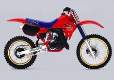 What do you think this Honda and History video? These are Honda's Open Class two-stroke motocross machines from 1981 through 2001 Honda Dirt Bike, Honda Bikes, Honda Motorcycles, Motorcycle Bike, Vintage Motorcycles, Dirt Biking, Mx Bikes, Motocross Bikes, Vintage Motocross
