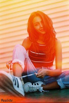 Nabilla est donc bien plus jolie au naturel et en jean !