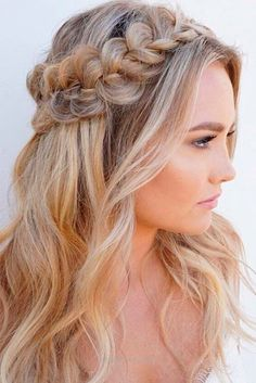 Gorgeous Christmas Half Up Down Hairstyles For Long Hair See More Love