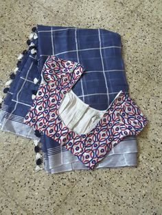 Designer Navy Blue Color With Printed Blouse Pcs. Saree Blouse Neck Designs, Simple Blouse Designs, Saree Blouse Patterns, Stylish Blouse Design, Saree Trends, Saree Models, New Wave, Indian Blouse, Indian Sarees