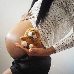 Um filhote de leão, raio da manhã arrastando o meu olhar como um ímã O meu coração é o sol pai de toda a cor... Gosto muito de te ver, leãozinho Caminhando sob o sol Gosto muito de você, leãozinho #maedesegundaviagem #maternidade #8meses #vemdezembro #fotografiagestante#gravida#vembiel#follow4follow#photo#filhos#mom#maternidadereal#anciosa#felicidaderesume#babyboy#éummenino#Guy#Biel#photografia#brasilia#federaldistrict#togravida#mamae2017