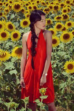 Light and elegant asymmetrical halter sundress in silky by Nmeno1, €82.05