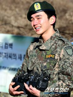 Yoo Seung-ho discharged from army, chooses comeback project » Dramabeans » Deconstructing korean dramas and kpop culture