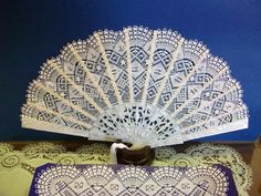 <br /><i>© Todos los derechos reservados I Cool, Cool Diy, Cool Stuff, Diy Stuff, Diy And Crafts, Arts And Crafts, Lace Painting, Bobbin Lace, Hand Fan