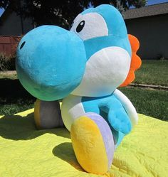 Giant Yoshi Plush + patterns in normal and giant size. Attention: this plush is a rip-off of an original Nintendo plush, don't sell a Yoshi made without severe modifications! (diy toys to sell free pattern) Plushie Patterns, Animal Sewing Patterns, Stuffed Animal Patterns, Diy Stuffed Animals, Sewing Patterns Free, Free Sewing, Softie Pattern, Pattern Sewing, Free Pattern