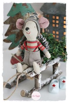 love this twig sled! Christmas Makes, Cozy Christmas, Christmas Love, Christmas Holidays, Christmas Sewing, Christmas Crafts, Christmas Ornaments, Vibeke Design, Crafts For Kids To Make