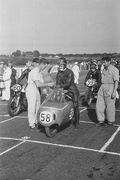 Start 350cc Ulster GP 1955 - AJS 7R