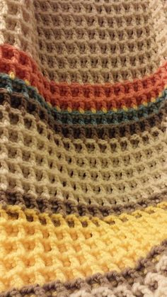 Waffle Stitch baby blanket. You can learn the stitch here https://www.youtube.com/watch?v=WLzUBne0ipU&feature=kp ༺✿ƬⱤღ https://www.pinterest.com/teretegui/✿༻