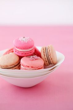 anna and blue paperie: {Recipe} Cherry Blossom Macarons from Cannelle et Vanille