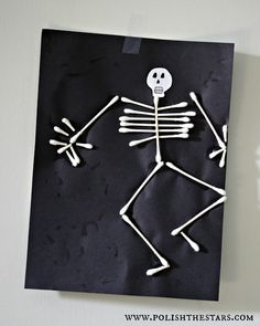 Halloween Kids Crafts w. bones