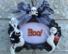 DIY Halloween Hanging Frame Wall Art Tutorial  Serena Bee's Halloween Cr...
