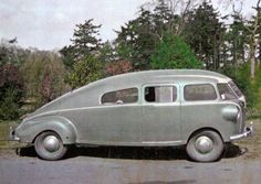Streamlined car from Restored in 1967 with a new engine. Strange Cars, Weird Cars, Cool Cars, Automobile, Classic Car Restoration, Vintage Travel Trailers, New Engine, Unique Cars, Motor Car
