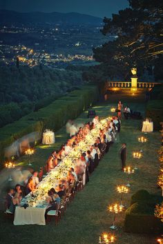 Villa Gamberaia wedding. A stunning location for a luxurious and elegant international wedding. Long Wedding Tables, Wedding Guest Men, Cozy Wedding, Long Tables, Wedding Set Up, Wedding Dinner, Wedding Goals, Garden Wedding, Perfect Wedding