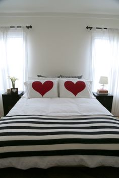 Make this: Painted Heart Pillows « {love+cupcakes} Blog