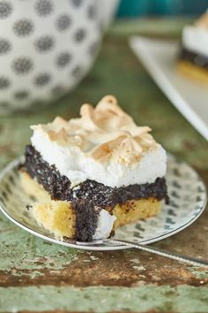 Habos mákos kocka | Street Kitchen Oreo Cupcakes, Cake Cookies, Hungarian Recipes, Cheesecake, Food And Drink, Favorite Recipes, Sweets, Homemade, Snacks