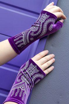 Polonova Longer Mehndi Hearts Arm Warmers - Sock Dreams