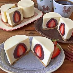 Cheesecake Stuffed With Chocolate Covered Strawberries ----- These look beautiful! I'd, of course, tweek slightly. lol White chocolate covered raspberries instead of the chocolate strawberries. Jello No Bake Cheesecake, Best Cheesecake, Strawberry Cheesecake, Strawberry Recipes, Cheesecake Recipes, Dessert Recipes, Cheesecake Stuffed Strawberries, Strawberry Fruit, Wedding Cheesecake