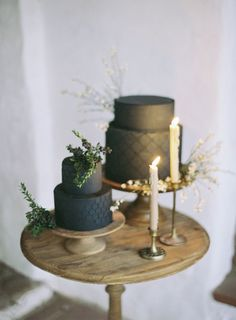21 a couple of black textural wedding cakes with greenery on top for a minimalist wedding - Weddingomania Blush Wedding Cakes, Big Wedding Cakes, Buttercream Wedding Cake, Amazing Wedding Cakes, Wedding Cake Designs, Wedding Cake Inspiration, Wedding Trends, Wedding Ideas, Wedding Shoot