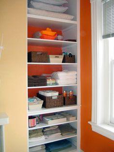 Beautifully Organized: Linen Closets via Therapy Diy Drawer Organizer, Linen Closet Organization, Closet Storage, Bathroom Organization, Small Space Storage, Small Space Organization, Storage Spaces, Organization Ideas, Organizing Tips