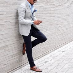 Modern gentleman, gentleman style, modern man, mens fashion suits, mens s. Blazer Outfits Men, Mens Fashion Blazer, Suit Fashion, Gentleman Mode, Gentleman Style, Modern Gentleman, Mens Suit Stores, Best Business Casual Outfits, Mens Suits Online