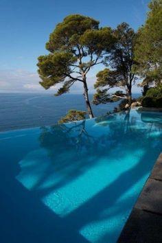 Il giardino e piscina della Villa Recchi a Portofino, Amazing Swimming Pools, Swimming Pool Designs, Design Jardin, Modern Pools, Dream Pools, Garden Pool, Pool Landscaping, Pool Houses, Dream Vacations