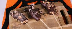 Not sure what to do with your leftover Halloween candy? Make Clinton's easy-to-make recipe now!