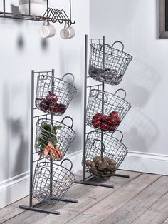 Lifestyle Stylish Kitchen Storage Solutions - If you have floor space, but no cupboards, a breathable basket can be a good solution. Wire baskets, or more natural rattan baskets, are great for storing long lasting vegetables that don't need to be kept i Kitchen Organisation, Kitchen Storage Solutions, Diy Kitchen Storage, Kitchen Decor, Kitchen Design, Flat Organization, No Pantry Solutions, Kitchen Vegetable Storage, Kitchen Baskets