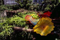 This is Chihuly. Details unknown.