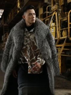 Black Fur Coat, Long Fur Coat, Mens Long Coat, Fur Coat Outfit, Fur Coat Fashion, Mens Leather Coats, Mens Fur Coats, Leather Jacket, Mens Winter Coat