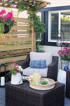 Check out these beautiful summer backyard patio ideas including furniture and design inspiration, composite decking, privacy screen and more! Patio Pergola, Patio Privacy, Small Backyard Patio, Backyard Patio Designs, Backyard Landscaping, Gazebo, Pergola Kits, Pergola Ideas, Small Pergola