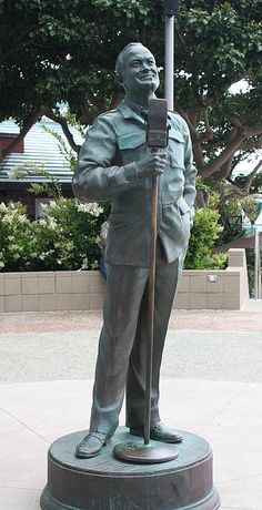 Bob Hope Memorial Statue