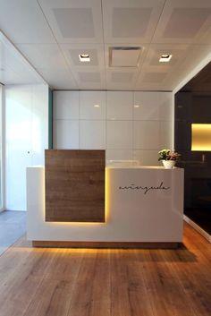 Resultado de imagen de reception desk design