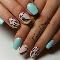 Having short nails is extremely practical. The problem is so many nail art and manicure designs that you'll find online Fabulous Nails, Gorgeous Nails, Cute Nails, Pretty Nails, Bohemian Nails, Dream Catcher Nails, Feather Nail Art, Country Nails, Nagellack Design