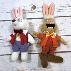 Disney Store Alice in Wonderland March Hare White Rabbit Plush Beanie Toys Lot Modern Toys, March Hare, Tigger, Alice In Wonderland, Smurfs, Rabbit, Plush, Beanie, Store