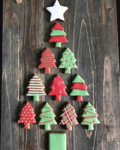 Cookie Designs, Cookie Ideas, Cookie Recipes, Christmas Sweets, Christmas Cookies, Christmas Ornaments, Cut Out Cookies, Holiday Baking, Royal Icing