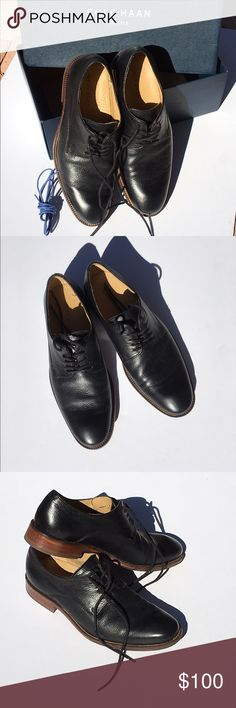 Cole Haan Williams Casual Plain Oxford II Leather upper; lace-up closure; synthetic lining; lightly cushioned footbed; black color with black laces and one extra navy blue laces with the original box. Heel height: 1 1/4 in. Cole Haan Shoes