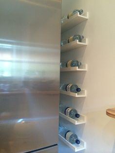 IKEA Hack Bilderleiste Mosslanda bzw. Ribba. Getränkeregal, Flaschenregal, Weinregal usw. Küchenidee, Küche Idee/Trick, Stauraum...