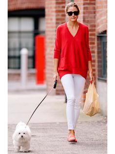 Super How To Wear Red Jeans Casual Olivia Palermo 65 Ideas Look Olivia Palermo, Olivia Palermo Outfit, Olivia Palermo Lookbook, Olivia Palermo Street Style, Fashion Mode, Look Fashion, Milan Fashion, Red Jeans, White Jeans