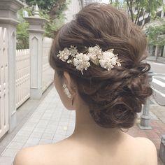 いいね!262件、コメント2件 ― Shizuka Nakamuraさん(@4iika)のInstagramアカウント: 「神戸でロケーション撮影📷 初めての撮影場所は楽しいな✨ styring by... @sy.union_hair . . . #union_hair #hair #hairmake…」 Short Wedding Hair, Wedding Hair And Makeup, Bridal Makeup, Hair Makeup, Bride Hairstyles, Down Hairstyles, Chelsea Wedding, Bridal Hairdo, Hair Arrange