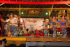 One thing that is new in the TIF 2014 is the presence of coffee corner serving Toraja coffee. There are also seminars TIF 2014 raised the issue of the role of young people in the development of local culture and tourism. Toraja traditional fabric that is woven Sa'dan were also exhibited.
