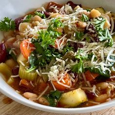 Vegetarian Minestrone Soup, Olive Garden Minestrone Soup, Italian Soup Recipes, Chili Recipes, Great Northern Beans, Stuffed Pasta Shells, Dried Tomatoes, Recipes