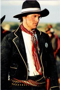 Tombstone - Michael Rooker as Sherman McMasters Western Film, Western Movies, Western Art, Tombstone Movie, Tombstone 1993, Tombstone Quotes, Tombstone Arizona, Black Cowboys, Hot Cowboys