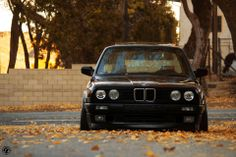 BMW E30 3 series black slammed front stance fall