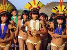 xingu women Related image Amazon Tribe, Tribal Women, Tribal People, Tribal Fashion,  Women's Fashion