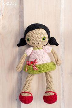 PATTERN Sofia doll crochet pattern amigurumi por lilleliis