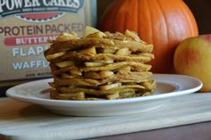 Healthy apple and pumpkin protein pancake recipe with Kodiak Cakes! Packed with protein, complex carbs and all the flavors of fall. High Protein Recipes, Low Calorie Recipes, Healthy Recipes, Apple Recipes, Fall Recipes, Ww Recipes, Brunch Recipes, Breakfast Recipes